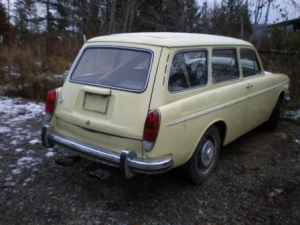 1971 VW Squareback right