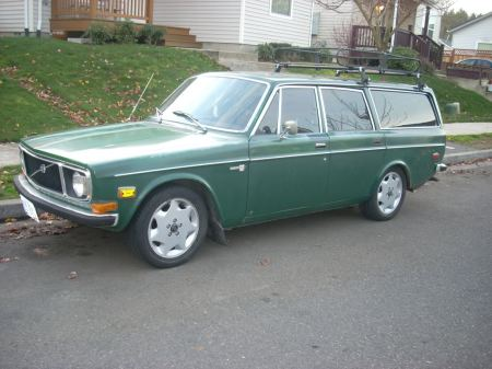 1972 Volvo 145 front