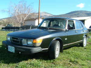 1980 Saab 900 5-door front left