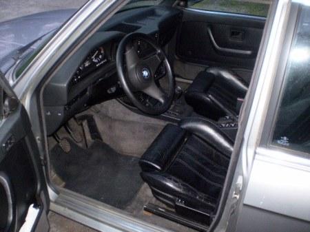 1988 BMW 535iS interior
