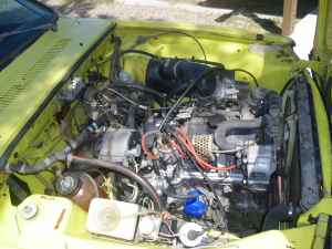 1974 Renault R12 Break engine