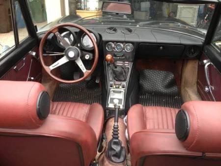 1978 Alfa Romeo Spider interior