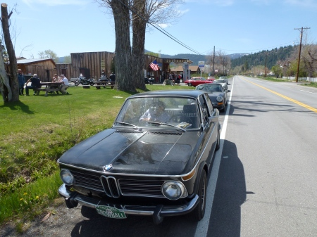 1972 BMW 2002tii on the Snowball Rally