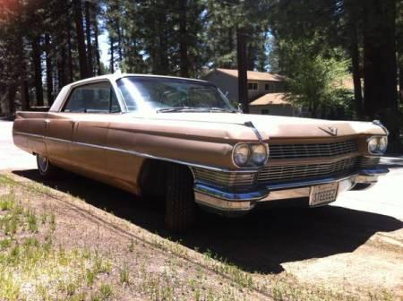 1964 Cadillac Sedan deVille right front