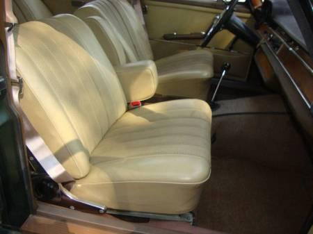 1967 Mercedes 250S interior