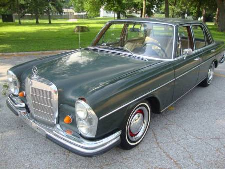 1967 Mercedes 250S left front