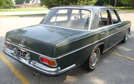 1967 Mercedes 250S right rear