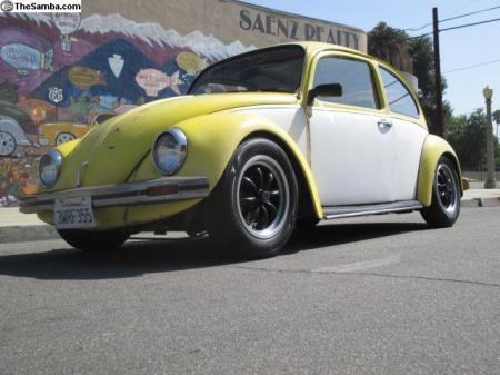 1968 VW Type 1 Beetle right front