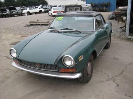 1971 Fiat 124 spider left front