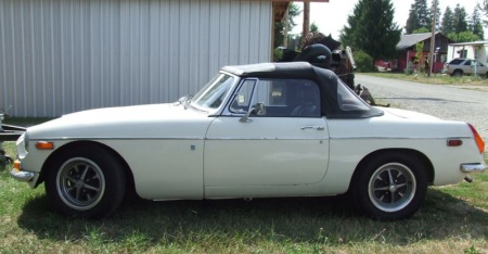1972 MGB left side