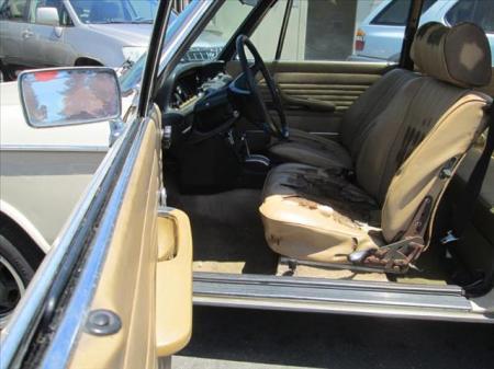 1975 BMW 2002 automatic interior