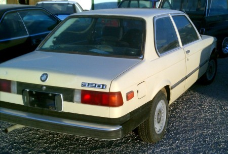 1977 BMW 320i right rear
