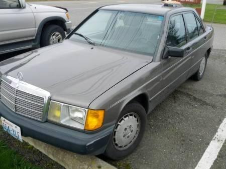 1985 Mercedes 190E 2.3 left front