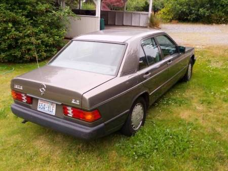 1985 Mercedes 190E 2.3 right rear