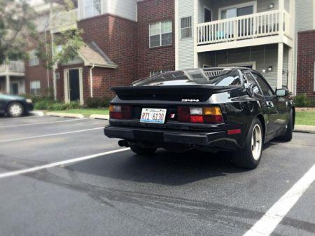 1986 Porsche 944 right rear