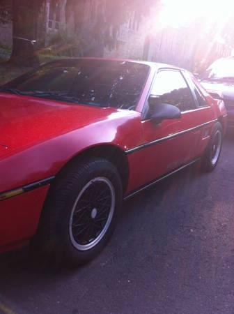 1988 Pontiac Fiero left front