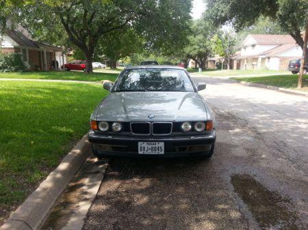 1989 BMW 750iL front
