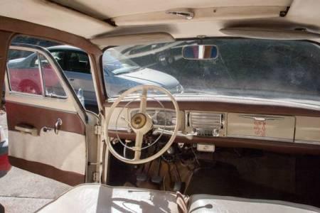 1960 Peugeot 403 interior