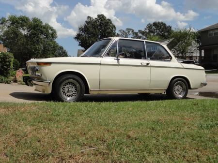 1969 BMW 1602 left front