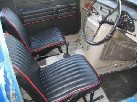 1972 Reliant Regal interior
