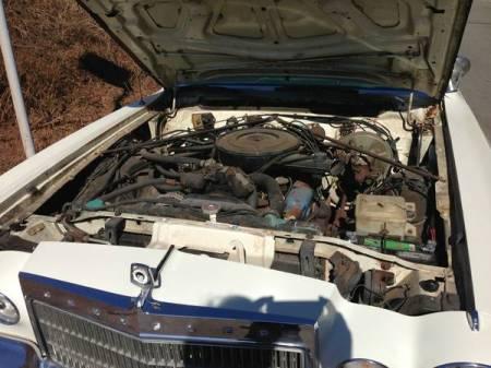 1975 Chrysler Cordoba engine