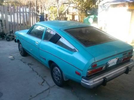 1975 Datsun B210 turquoise
