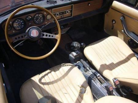 1978 Fiat Spider interior