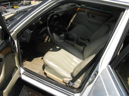 1984 BMW 745i 5spd interior