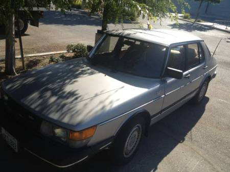 1984 Saab 900 turbo left front