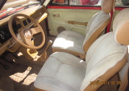 1986 Yugo GV interior