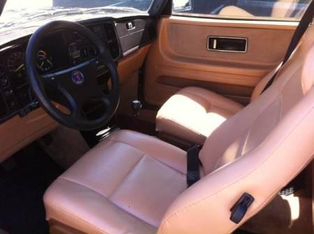1988 Saab 900 turbo interior