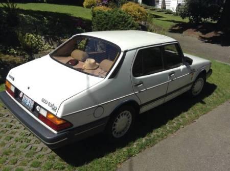 1989 Saab 900 turbo notch right rear