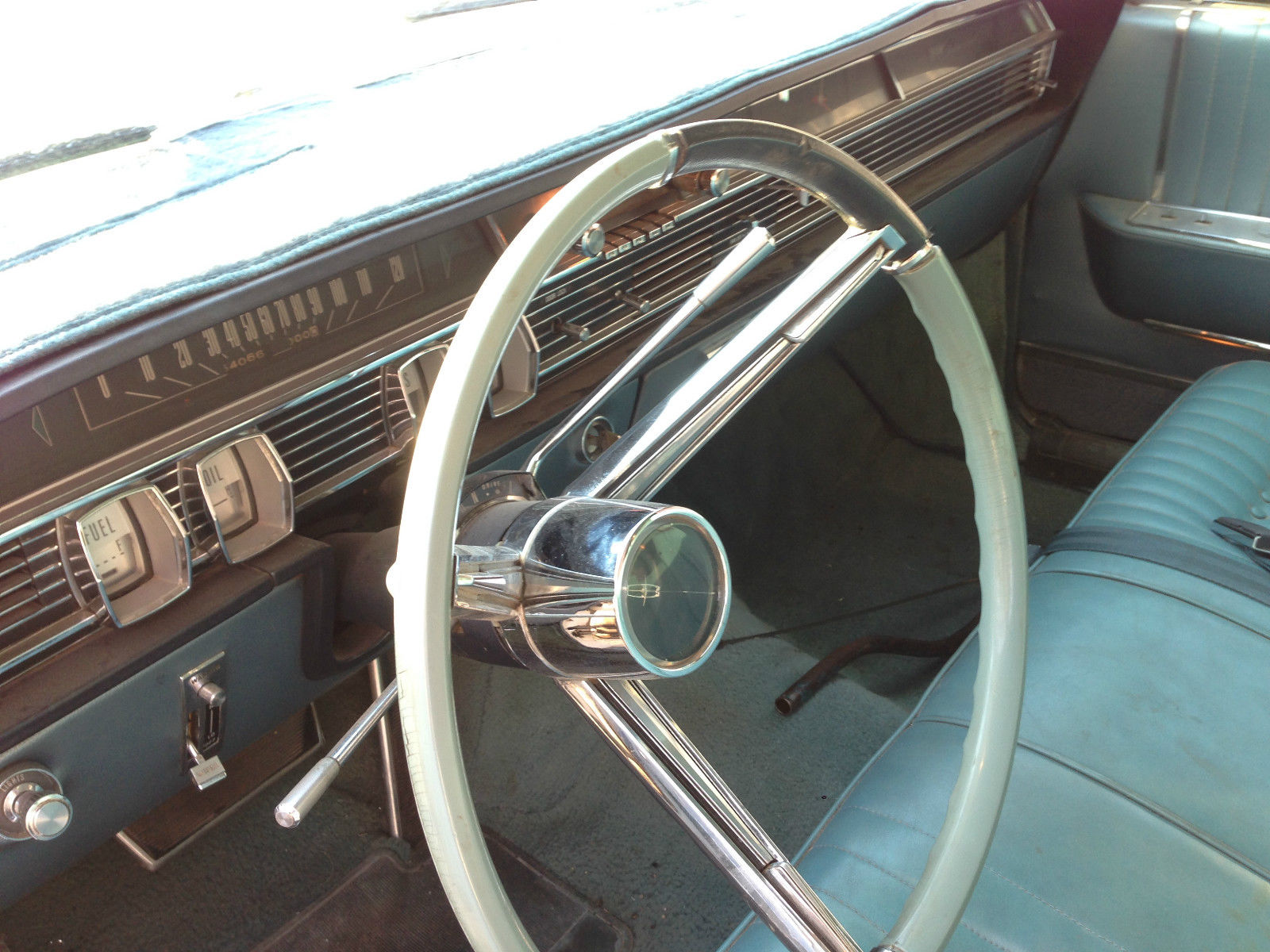 square shouldered 1964 lincoln continental hardtop sedan rusty but trusty. Black Bedroom Furniture Sets. Home Design Ideas