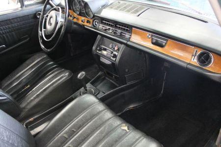 1969 Mercedes 220D interior
