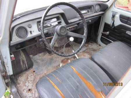 1969 Renault 10 for sale interior