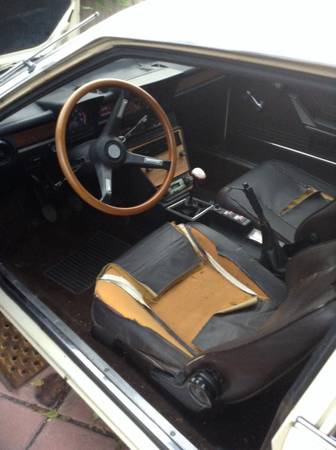 1979 Alfa Romeo Alfetta GTV avorio interior