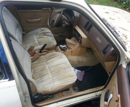 1982 Isuzu I Mark Diesel interior