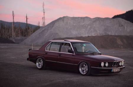 1984 BMW 535i right front
