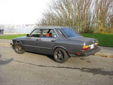 1986 BMW 535i left rear