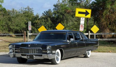 1968 Cadillac Fleetwood 75 left front
