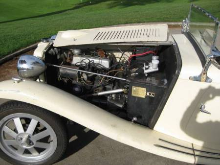 1961 MG TC replica engine
