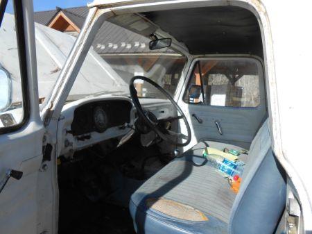 1964 Ford F250 4x4 interior