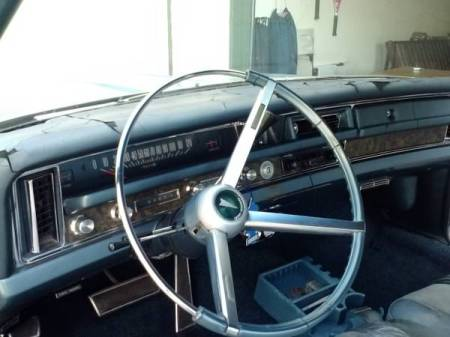 1968 Pontiac Bonneville hardtop interior