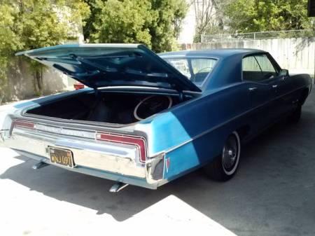 1968 Pontiac Bonneville hardtop right rear