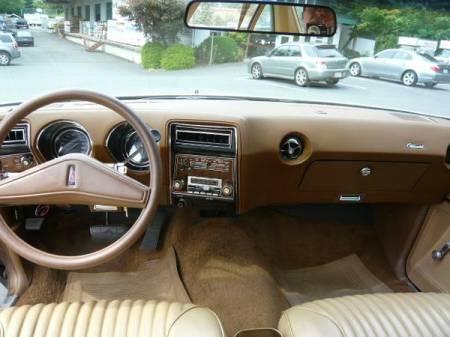 1976 Oldsmobile Cutlass interior