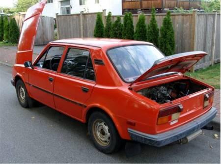 1986 Skoda 120GLS left rear
