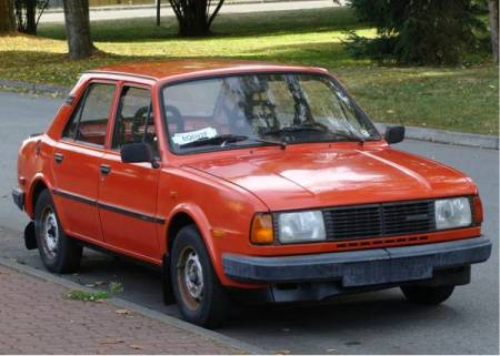 1986 Skoda 120GLS right front
