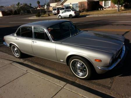 1974 Jaguar XJ6L right front