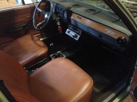 1975 Alfa Romeo Alfetta Berlina interior