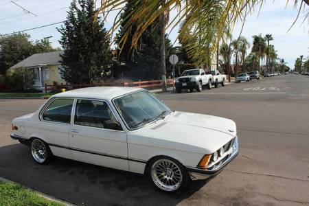 1982 BMW 320i right front